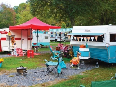 Vintage trailers take to Maggie Valley