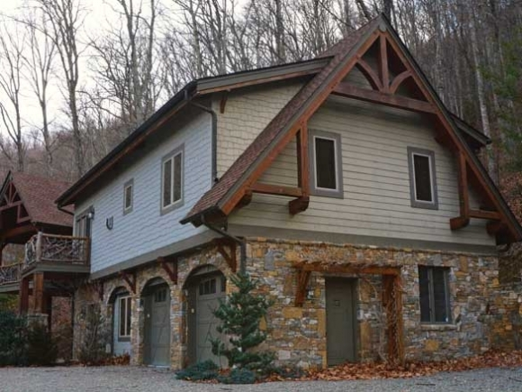 Selling a mountain lifestyle: Haywood housing demand is high but inventory is low