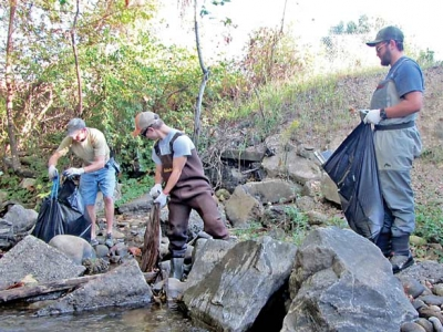 Volunteers remove a ton of garbage from Haywood creeks