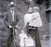 Frank and Mattie Fry with two of their children, from the Fry Collection at WCU.