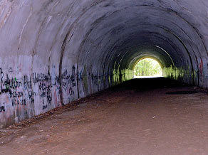 fr tunnelgraffiti