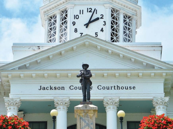 Jackson commissioners shelve task force, discuss statue's fate