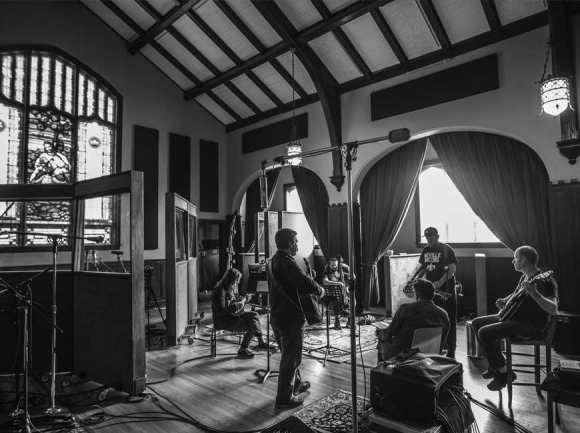 Greensky Bluegrass in the studio at Echo Mountain. (photo: Lindsay Mosier)