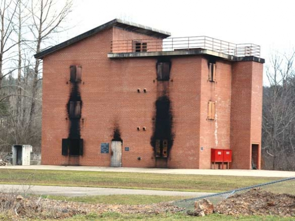 Engineers say burn building needs to be replaced