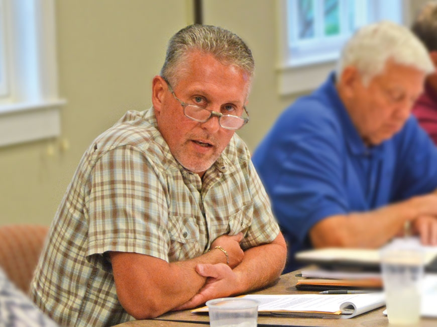 Commissioners should attend meetings, Jackson board says
