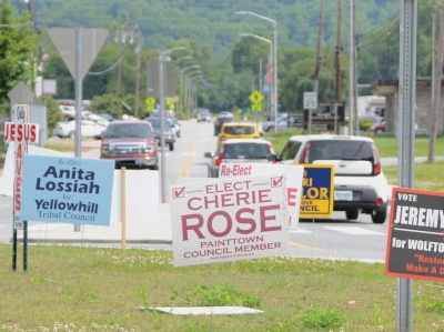 Election signs pepper the roundabout at Acquoni Road in Cherokee during the 2017 Tribal Council election season. Holly Kays photo